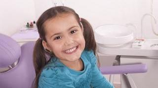 girl smiling | children's dentist minneapolis mn